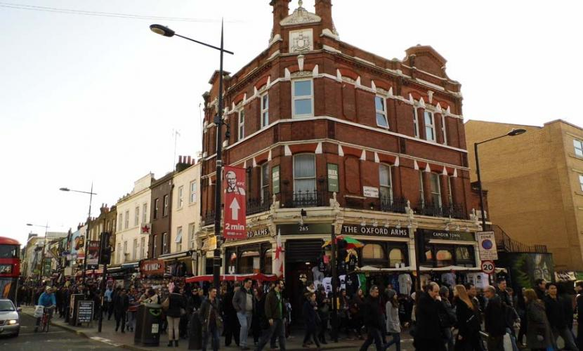 Pubs craft beer camden town for Craft beer pubs near me